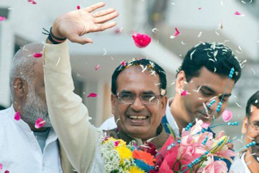 मध्य प्रदेश में कोरोना कर्फ्यू 15 मई तक बढ़ाया गया, CM शिवराज ने किया ऐलान