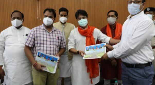 कोविड के विरुद्ध जंग में चिकित्सकों की भूमिका महत्वपूर्ण सांसद श्री ज्योतिरादित्य सिंधिया ने मेडिकल कॉलेज का निरीक्षण कर देखी व्यवस्थाएं